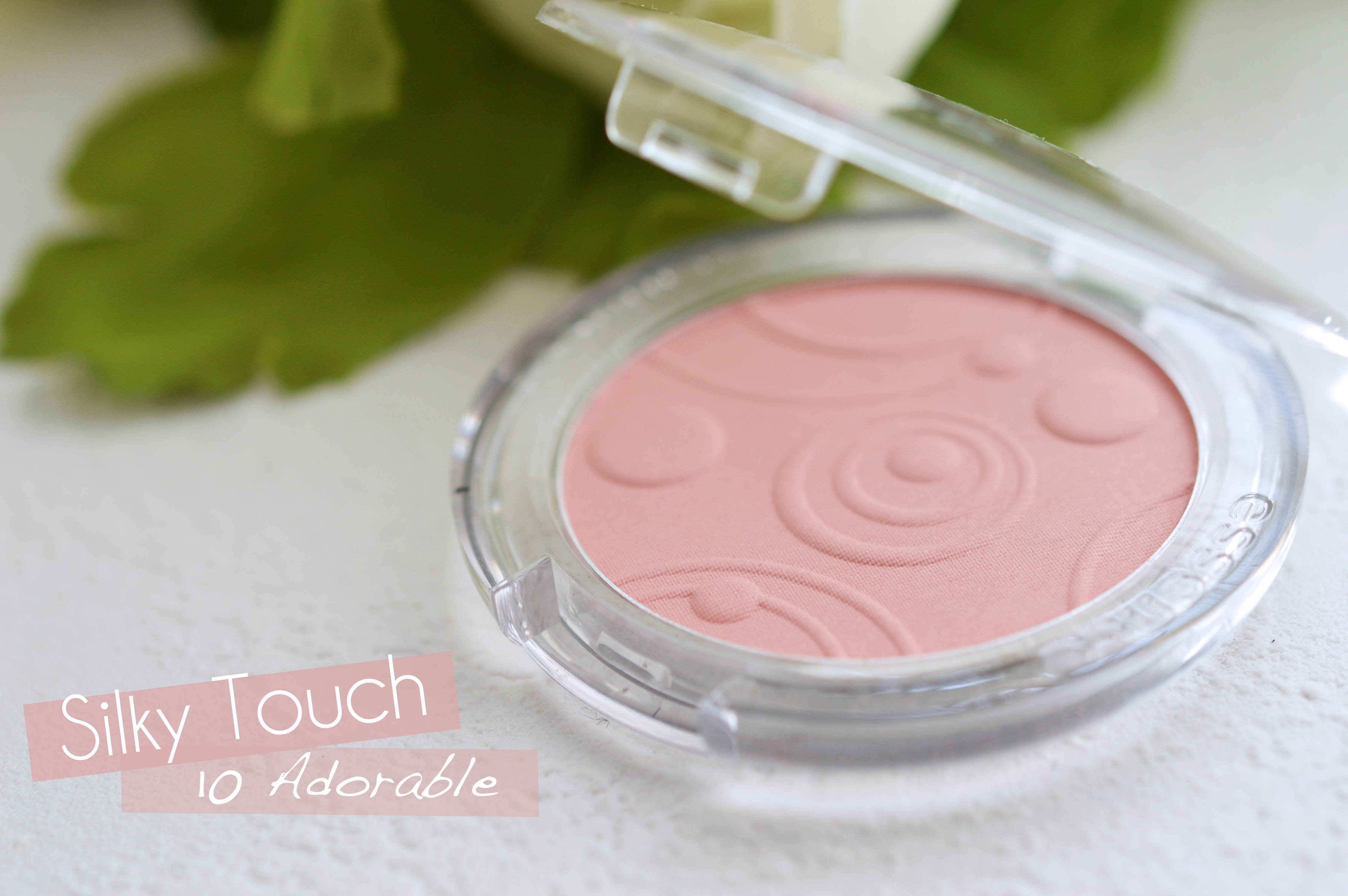 ALITTLEB_BLOG_BEAUTE_ESSENCE_LA_MARQUE_QUIL_FAUT_ENVIER_A_NOS_COPINES_FRONTALIERES_SILKY_TOUCH_BLUSH_10_ADORABLE