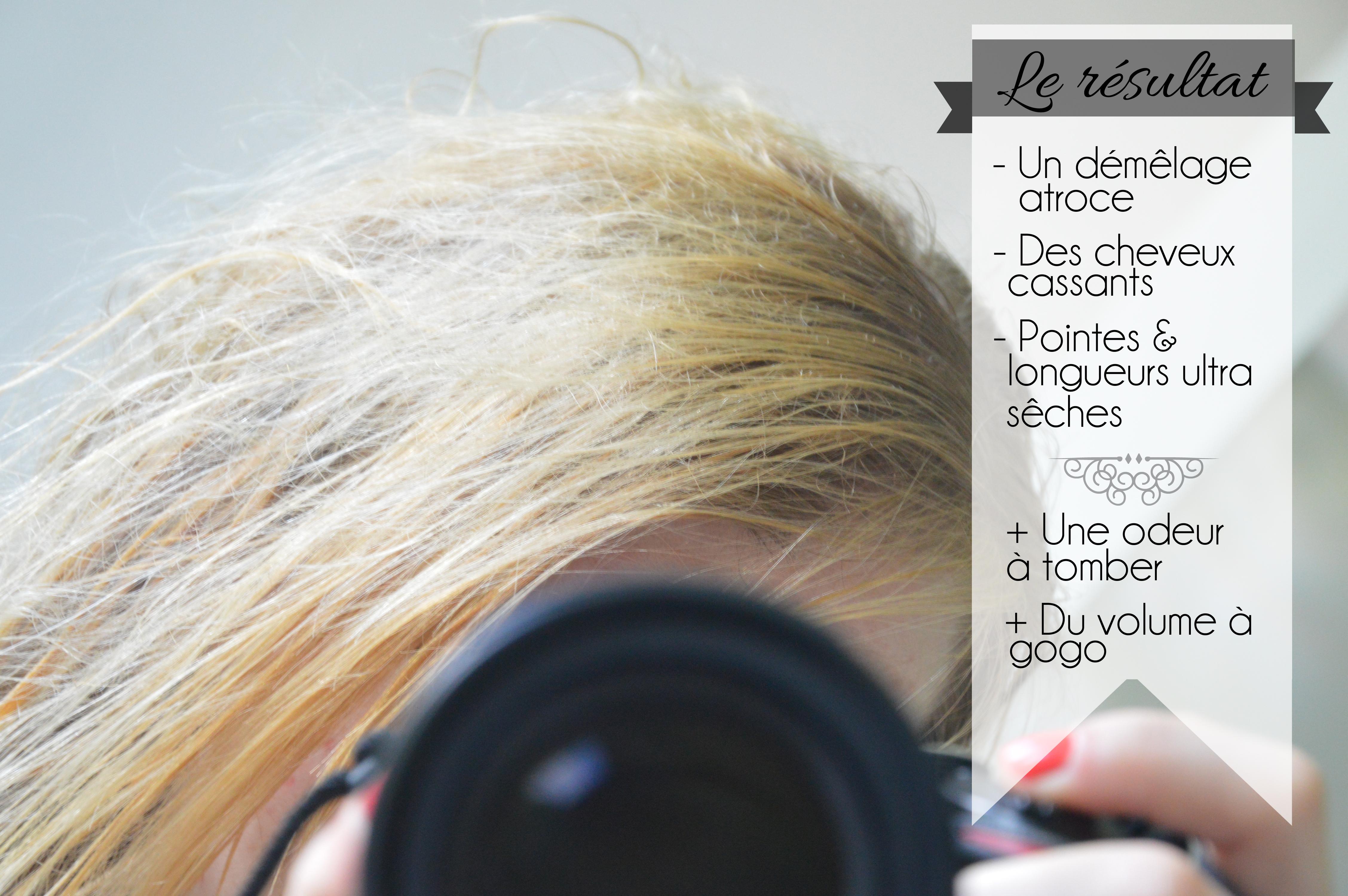Le moyen pour le séchage par le sèche-cheveux les cheveux