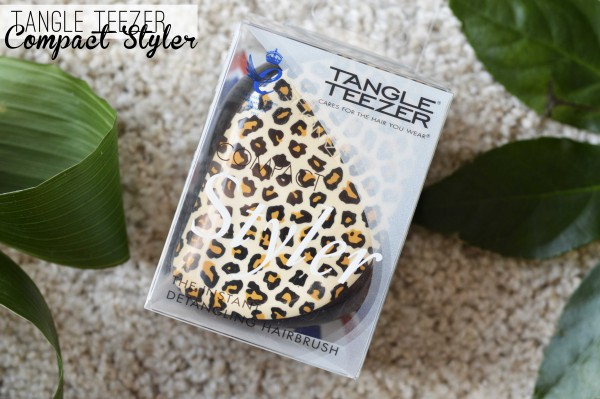 ALITTLEB_BLOG_BEAUTE_HEADBAND_FR_TANGLE_TEEZER_LA_PETITE_BROSSE_REVOLUTIONNAIRE_A_LA_HAUTEUR_DE-_SA_REPUTATION_COMPACT_STYLER_PACKAGING
