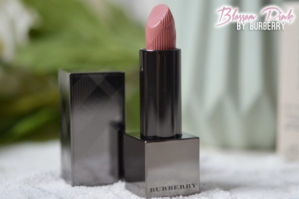 ALITTLEB_BLOG_BEAUTE_LYON_BUERBERRY_KISSES_ET_LIP_VELVET_ON_ADOPTE_LES_BURBERRY_LIPSTICKS_BURBERRY_KISSES_LIPSTICK_BLOSSOM_PINK_29_PACKAGING